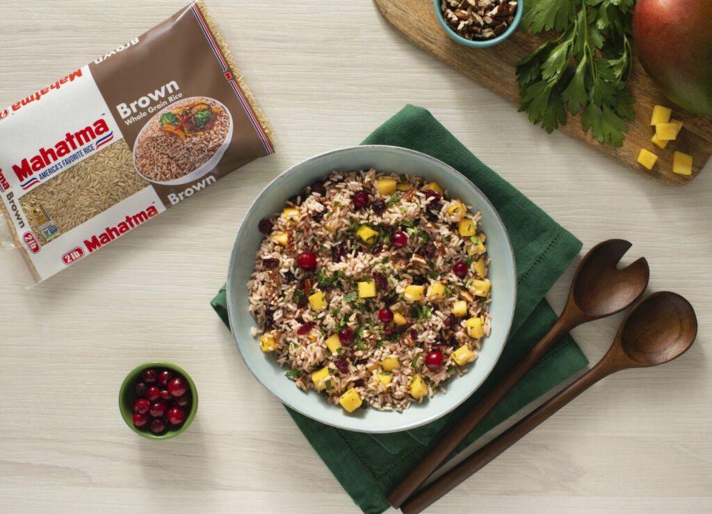 Rice-salad-with-brown-rice-mango-and-pecans
