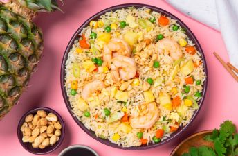 Fried Rice with Shrimp, Pineapple, Peanuts, Carrots and peas