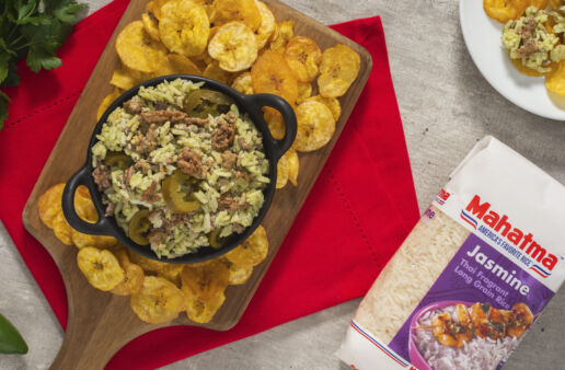 spicy-chimichurri-rice-dip-with-jasmine-rice-and-plantain-chips