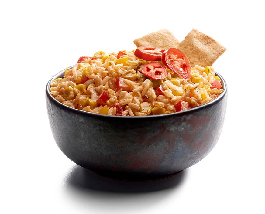 Dip de arroz con salsa ranch y sriracha