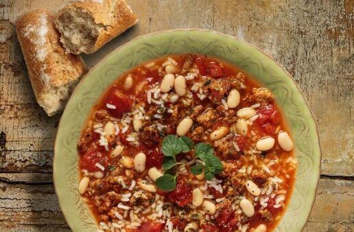 Bowl de Sopa Toscana con alubias, salchicha y arroz