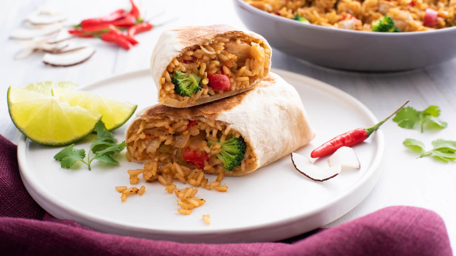 Burritos de pollo thai al curry con coco