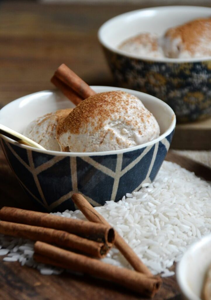 Horchata-inspired-ice-cream-scoops-with-cinnamon-and-sugar