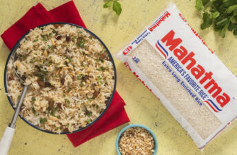 christmas-arab-rice-peruvian-style-with-noodles-raisins-nuts-and-white-rice