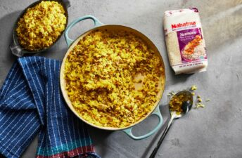 Lentils-and-rice-dish-with-mahatma-jasmine-rice-and-caramelized-onions