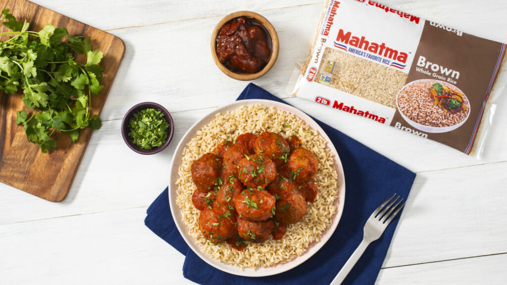 tuna-meatballs-with-chipotle-sauce-served-over-brown-rice