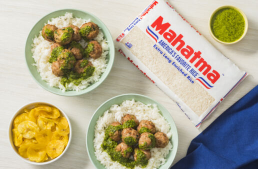 pork-and-white-rice-meatballs-served-with-cuban-mojo
