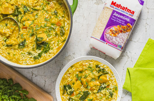 one-pot-green-curry-with-chicken-and-jasmine-rice